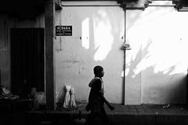 Ubud Strideby in the Pasar - Bali Street Photographer