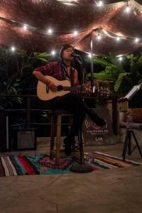 Live local music at The Onion Collective's restaurant lounge - Bali Street Photographer