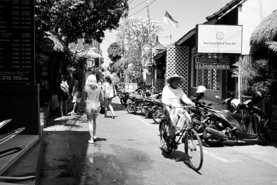 Jalan Goutama Ubud Bali - Bali Street Photographer