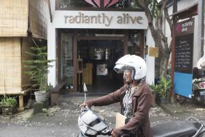 Radiantly Alive Yoga Studio - Ubud - Bali Street Photographer
