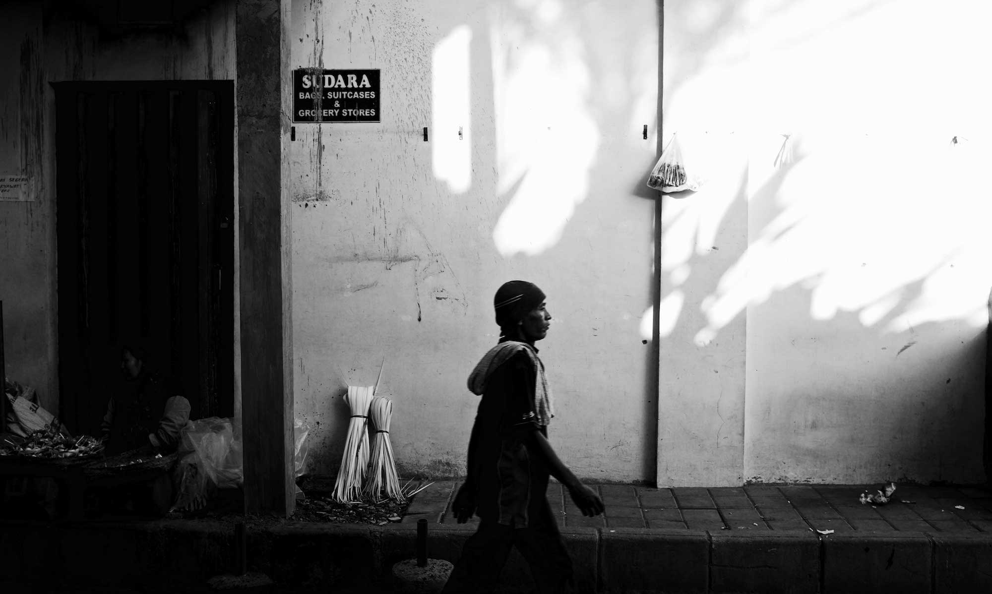 Ubud Strideby in the Pasar - Bali Street Photography