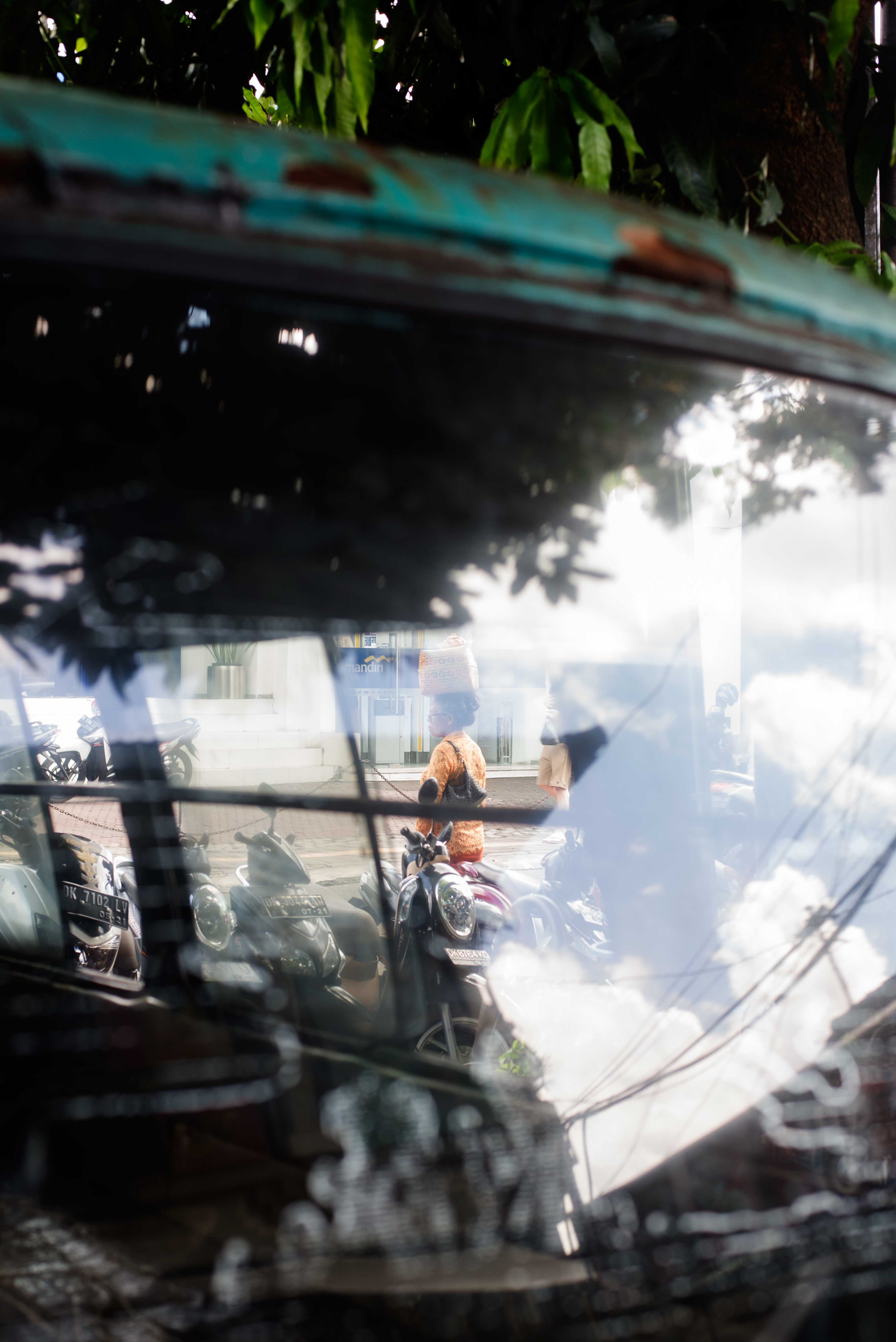Being Different or Like Other Street Photographers - Bali Street Photographer
