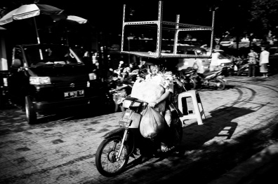 Meals on Wheels (and other things) - Bali Street Photographer
