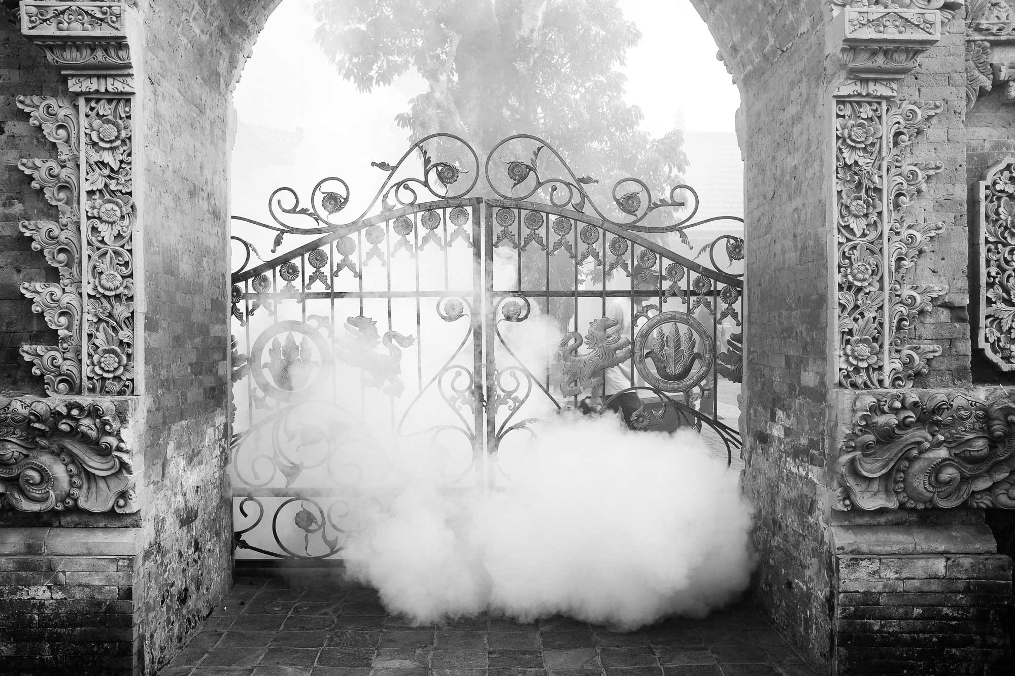 Ubud Palace - When Smoke Gets in your Eyes - Bali Street Photographer