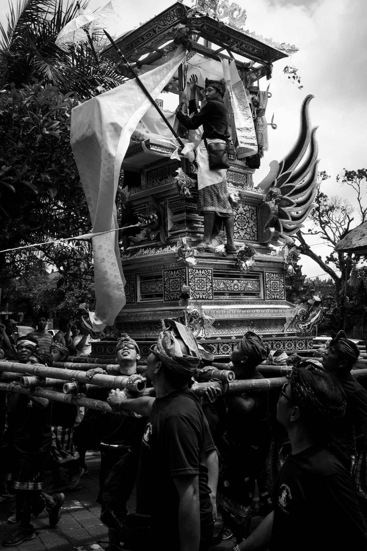 Ngaben - Balinese Cremation Ceremony - Bali Street Photographer