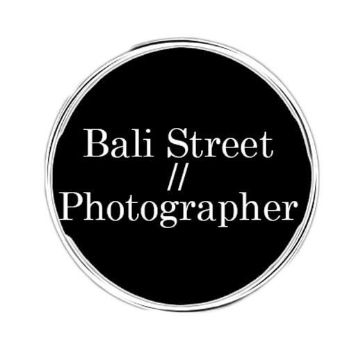 Bali Street Photographer Logo Black Circle Clear Square
