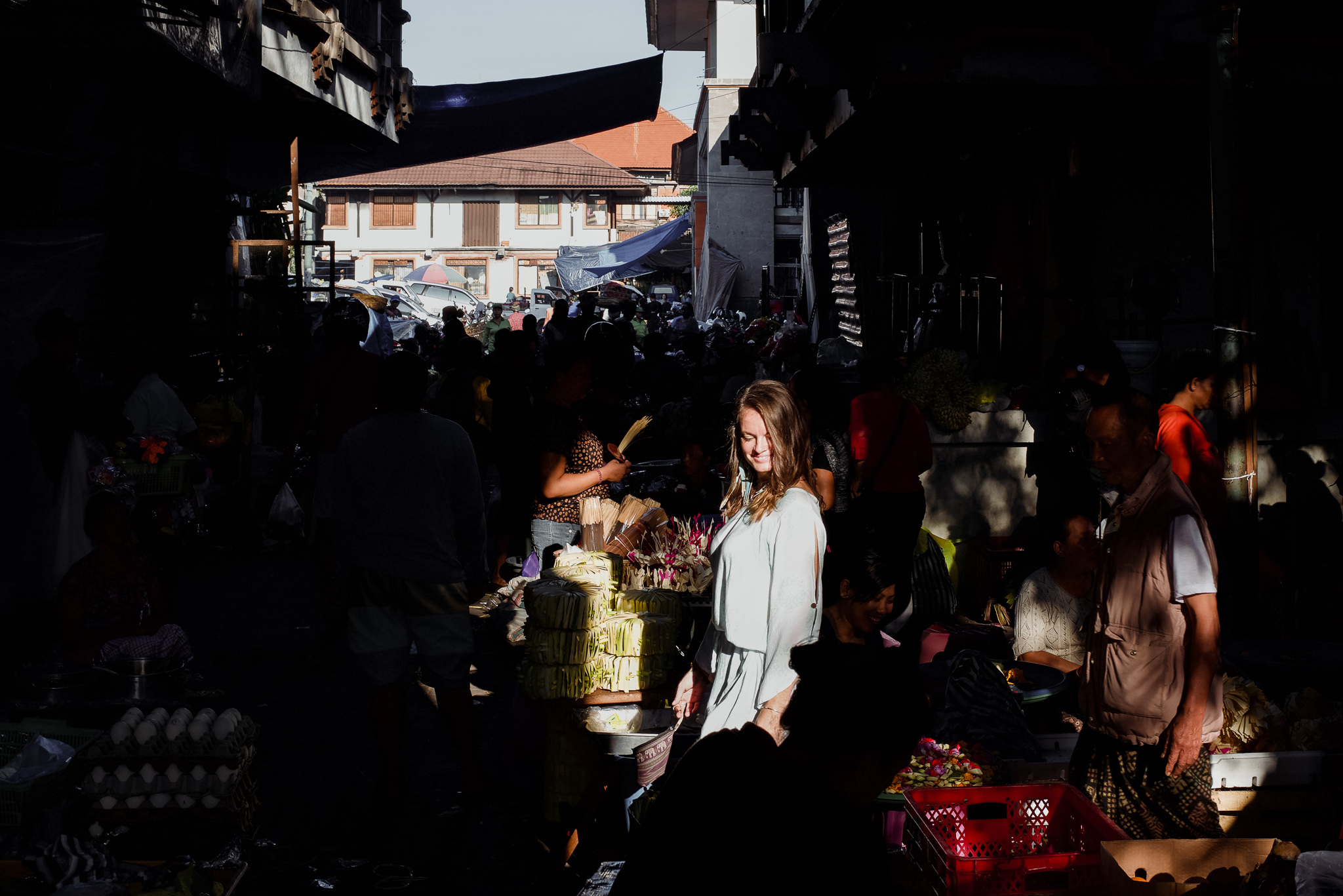 Chasing harsh light with Soul Therapist, Dia at Pasar Ubud. Bali Street Photographer