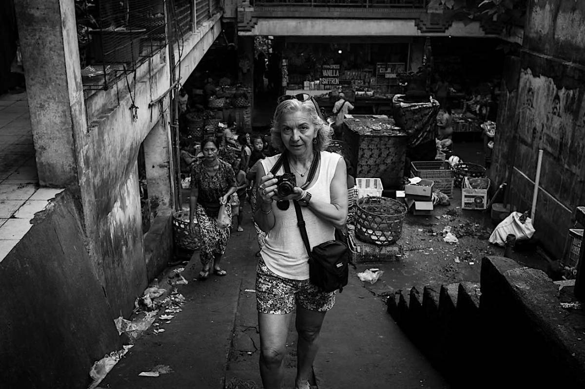 Stacy on the Pasar Ubud Bali Street Photographer Tour