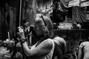 Stacy on the Pasar Ubud Bali Street Photographer Tour