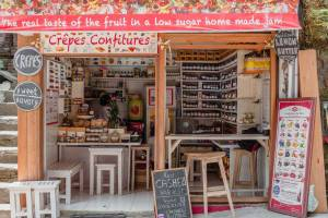 Bali Street Photographer Tours -- Crepes & Confitures on Jalan Goutama in the heart of Ubud