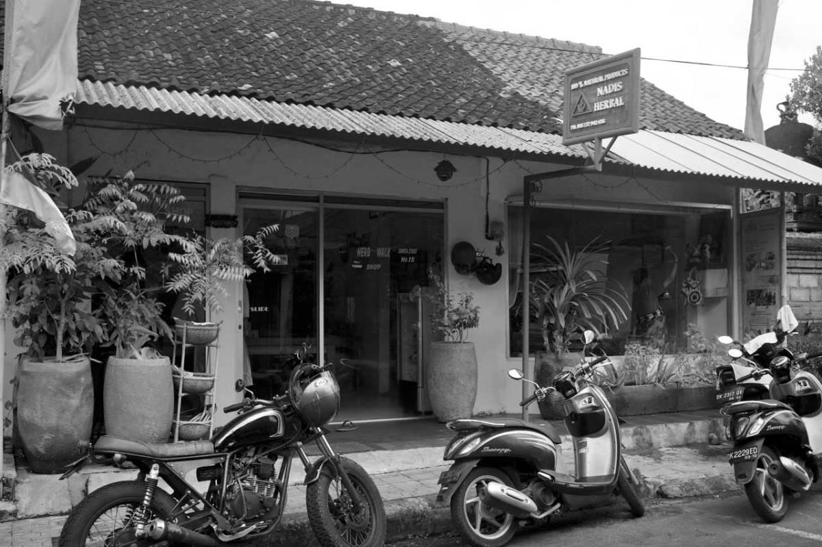 Nadis Herbal Ubud - Bali Street Photographer
