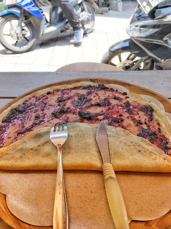 Delicious Crepes at Confiture de Bali - What to do in Ubud - Bali Street Photographer